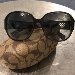 Authentic COACH Greer Heart Signature Sunglasses